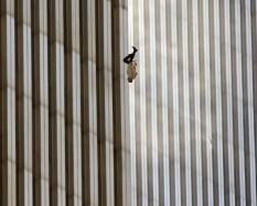 "Fotografija fotoreportera AP, Ričarda Dru pod nazivom ""The Falling Man"""